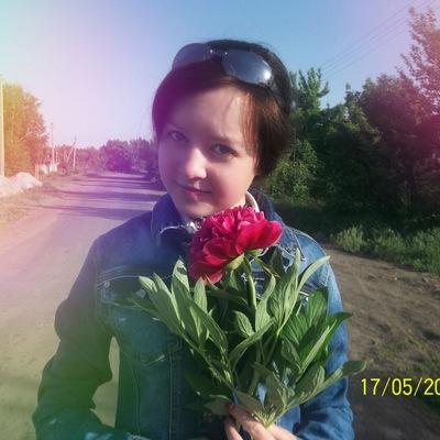 Надежда Калашникова, 4 мая 1998, Павловск, id200765575
