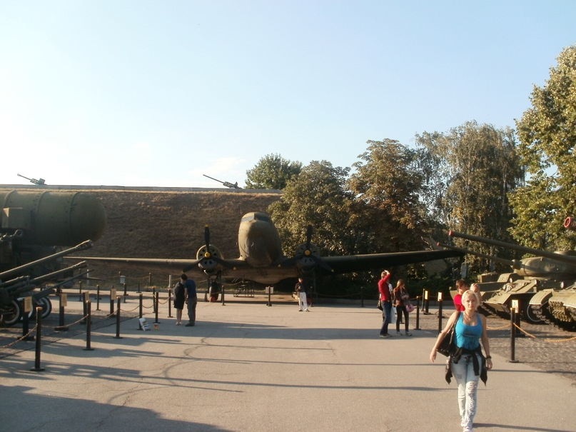 Мои путешествия. Елена Руденко. Украина. Киев. Музей войны. 2011 г.  Y_4f76cee3