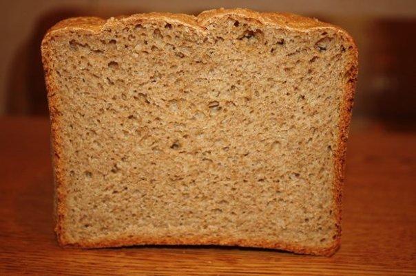 Галин хлеб без ничего Пекла и месила в ХП, без излишеств, на ржаном режиме, на колобок только досып...