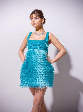 Описание: Коктейльное платье для полных фото.