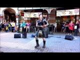 Медведев в кожаном килте и с ирокезом играет на волынке AC/DC