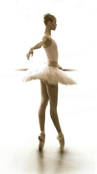 схемы вышивок Балеринки с