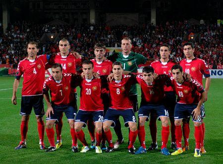 Сборная Армении готова к матчу с Данией