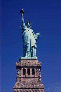 люблю Америку. статую свободы люблю. свобода у меня в крови. и от этого безумно хорошо.  Прoкoммeнтировaть.