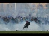 Действие полиции ЕС, когда мирные демонстрации превращаются в массовые беспорядки - Франция.