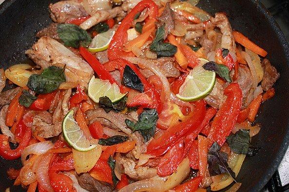 Блюда из мяса говядины, баранины, свинины X_8700e5ba