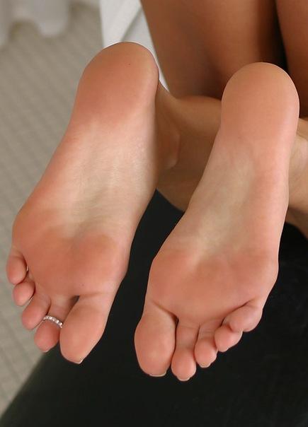 вкусные пальчики женских ног фото вк