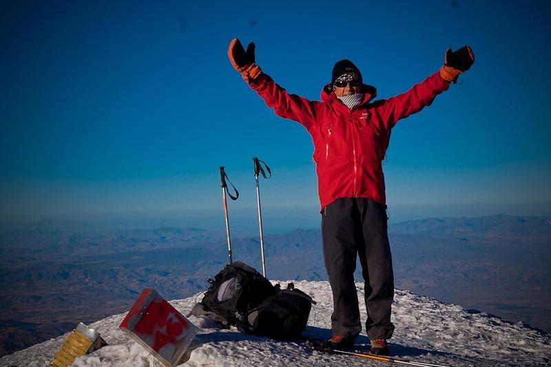 Юрий Палыч Суханов, альпинист из Смоленска, на вершине Арарата
