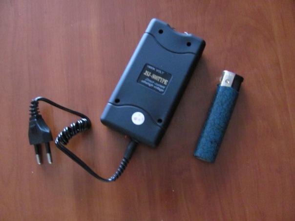 Шокер из зарядного устройства
