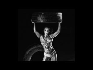 Female Muscle Gabriella Bankuti Gym Photoshooting Video Part 3.