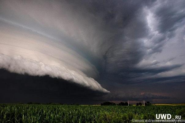 Фотограф Mike Hollingshead У природы нет дурной погоды, каждая погода...