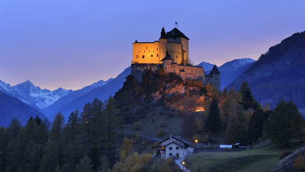 Замок тарасп швейцария