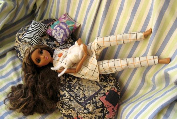 Как сшить пижама для куклы 545