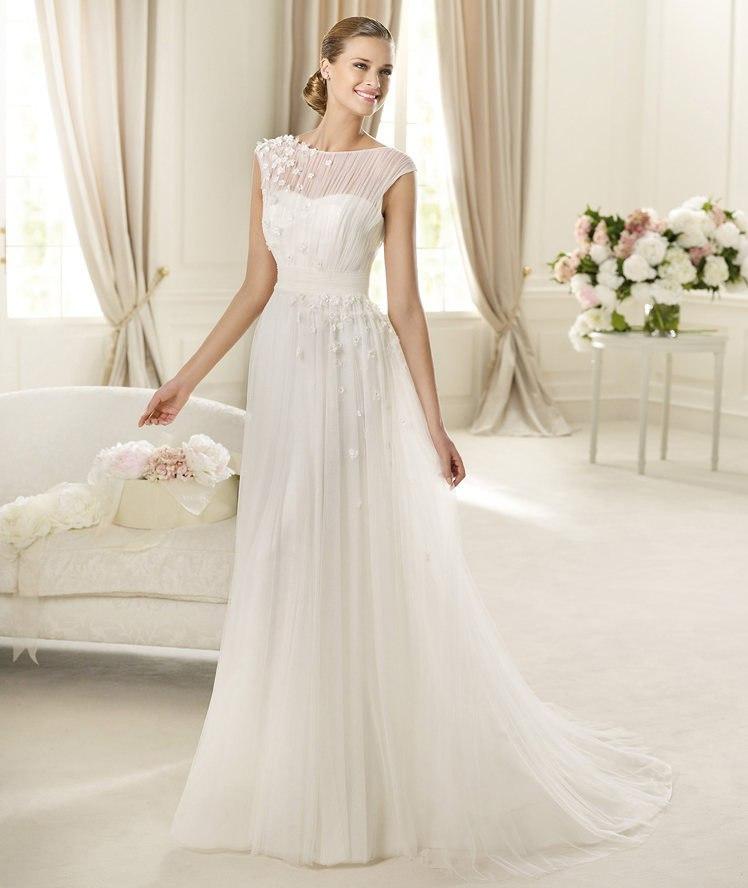 Белое платье для худых