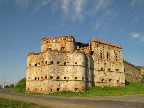 Меджибіж, замок