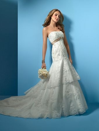 откровенные свадебные платья фото.