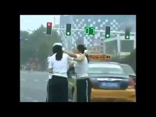 Two Chinese Police Women fight in the street - 16/07/2013
