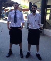 Машинисты поездов Стокгольма в юбках Согласно дресс коду работникам шведского...