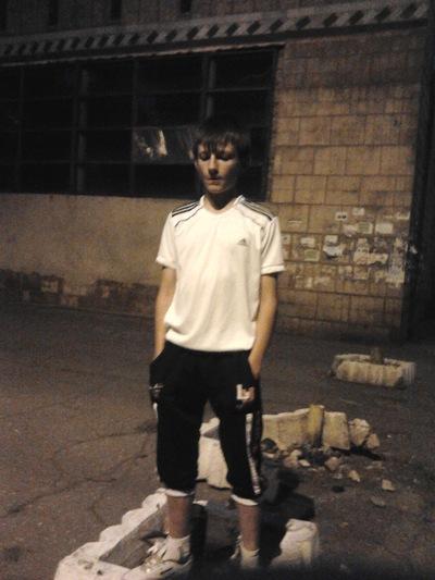 Виталик Серяков, 11 октября 1999, Горняк, id144934890
