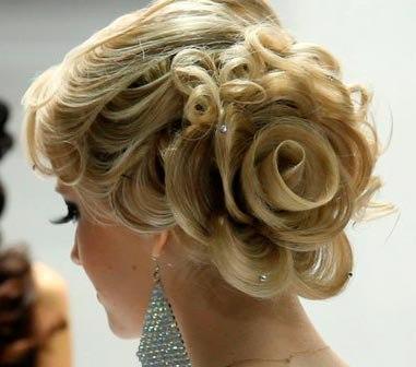 Роза из волос на свадьбу