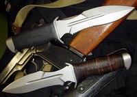 Кроме того, форма лезвия боевого ножа позволяет в равной степени эффективно резать как в направлении клинка...