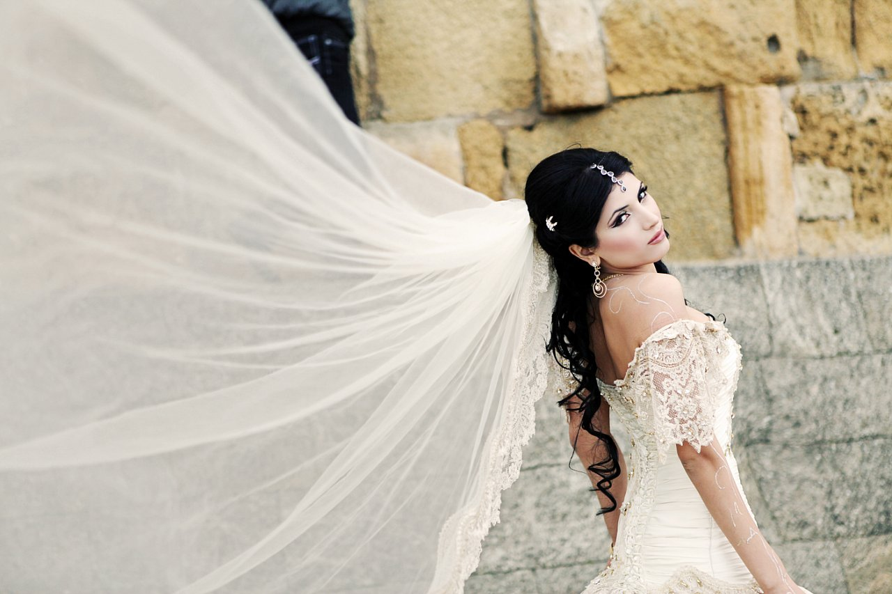 Свадебные причёски кавказских невест