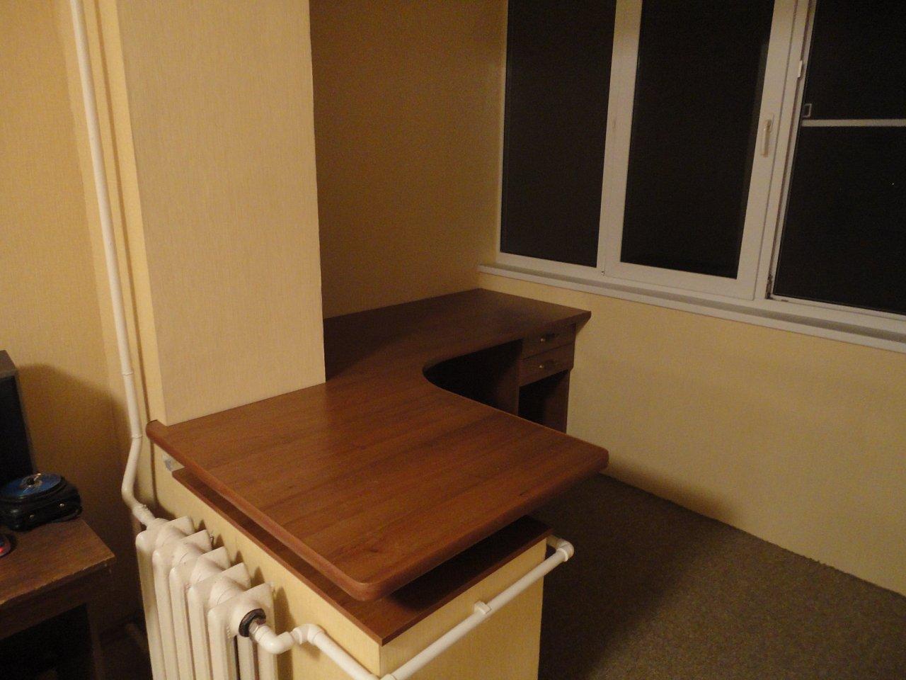 Стол столешница на балкон..