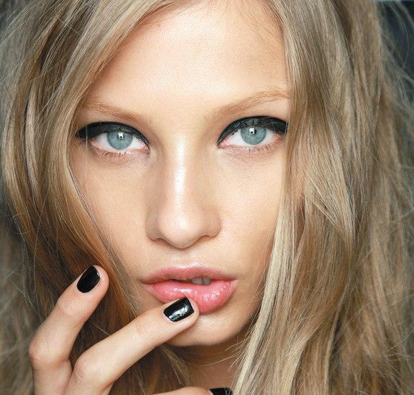 Этой весной тенденции модного макияжа удовлетворят не только кокетливых красавиц...