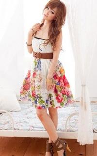оптом белое платье с высокой талией и подтяжками.
