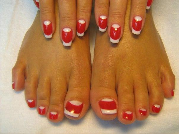 Дизайн пионов на ногтях