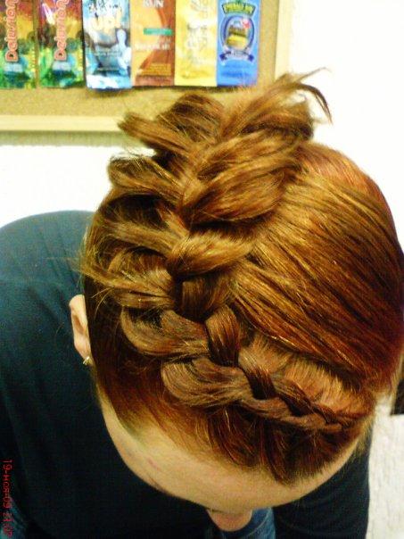 Причёски с элементами кос.  Анастасии Расуловой - YouTube.  Причски на накрученные волосы на последний звонок: схемы.