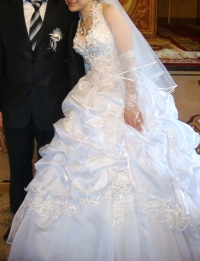 Продам свадебное платье в москве бу