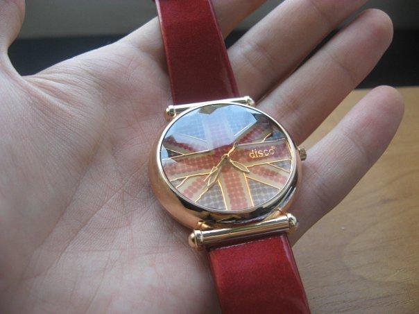 Продам женские часы с Британским флагом Брал под заказ из Великобритании...