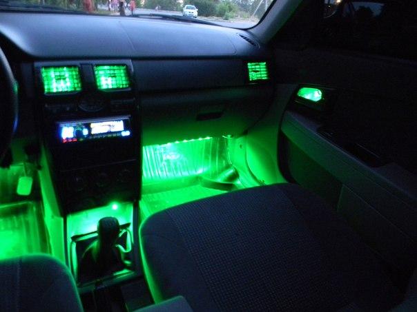 подсветка салона автомобиля фото