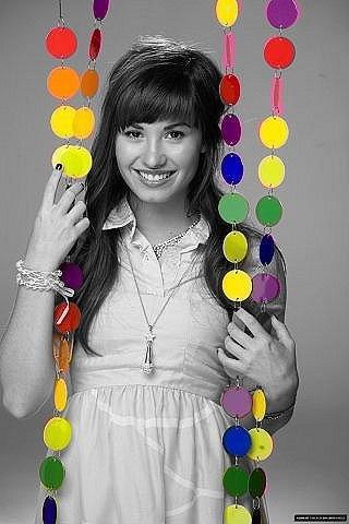 Demi Lovato Profile on Demi Lovato Updated Her Profile Picture