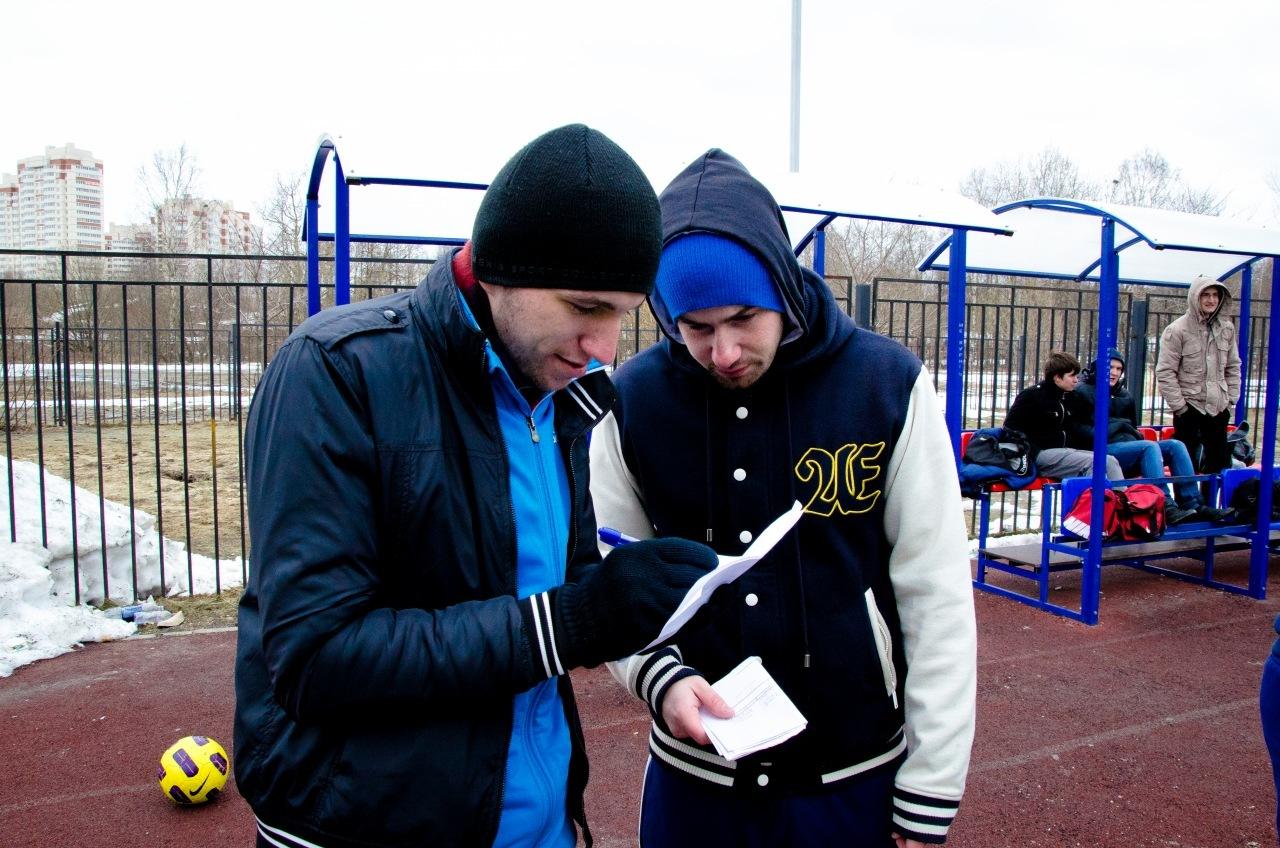 Ярослав Кяйвяряйнен и Павел Алексеев на стадионе Оккервиль Арена, старт сезона 2011 в Правобережной лиге
