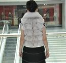 Модная куртка из меха лисы фото.