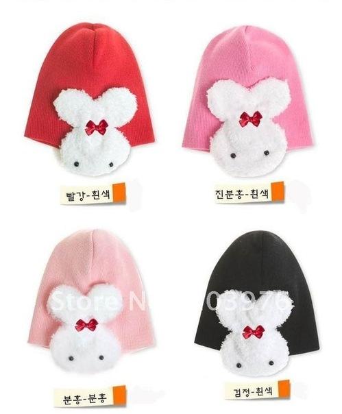 Схемы вязанных женские зимние шапки.