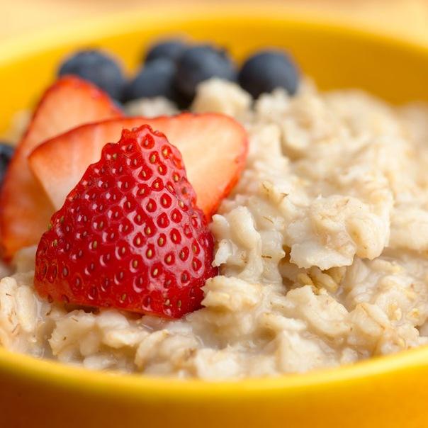 Кто не знает рекомендаций диетологов и приверженцев здорового питания: по утрам обязательно ешьте овсяную кашу?