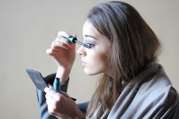 как правильно наносить макияж на глаза пошагово фото