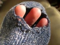 дырка в носке.
