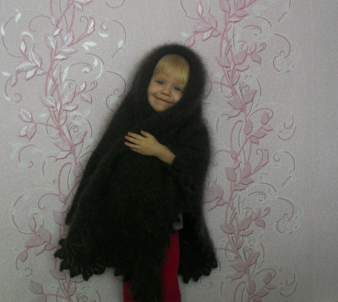 Связанные платками девушка 10 фотография