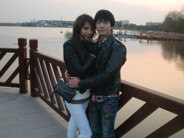 都来贴贴中国人娶俄罗斯媳妇/华人和俄罗斯女友照片!