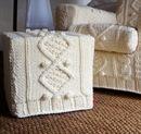 Вязаные чехлы на мебель ручной работы.