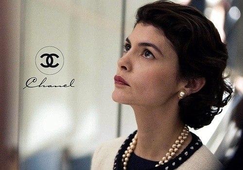 Биография Шанель состоит из мифов, которые придумала она сама.