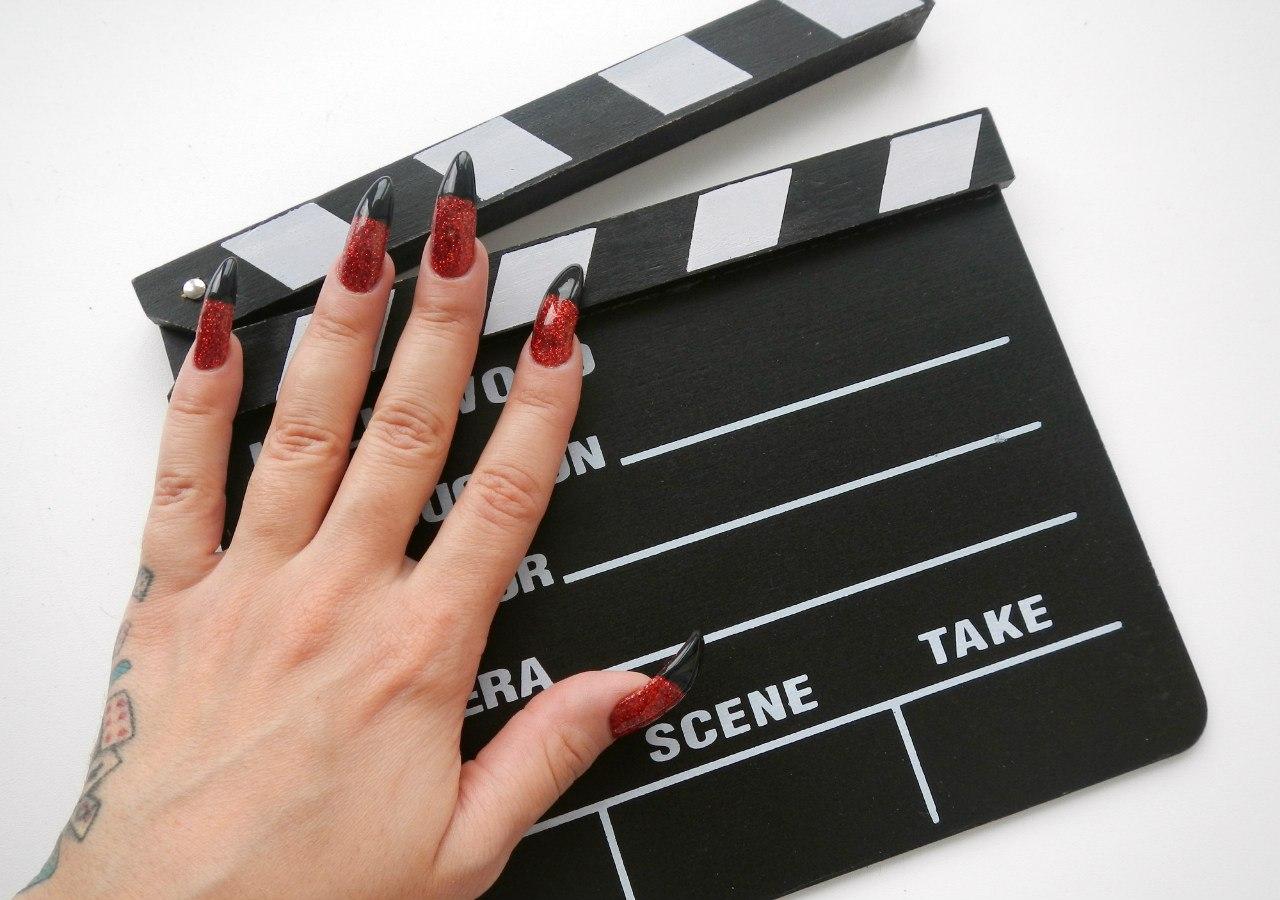 Фетиш длинными ногтями 14 фотография