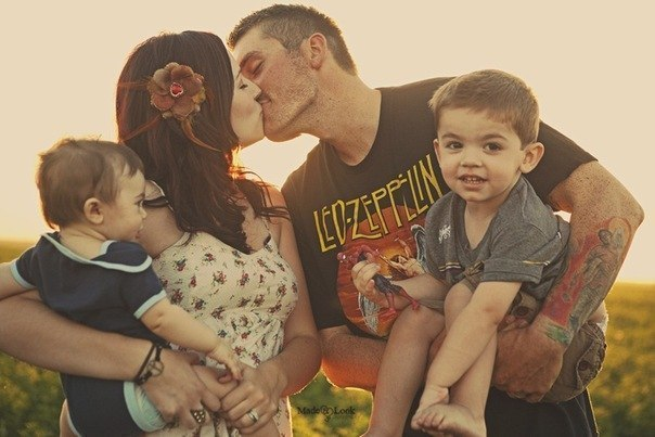 Фото щасливої сім'ї