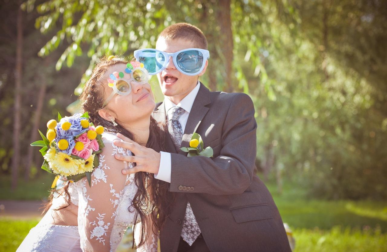 Смешные подарки молодоженам на свадьбу