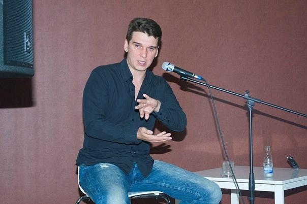 Блогер Евгений Михеев