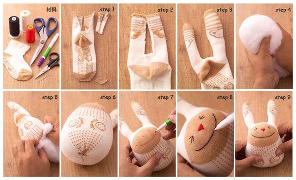 Фото мастер-класс по тому как сделать из носка зайца вам в помощь.